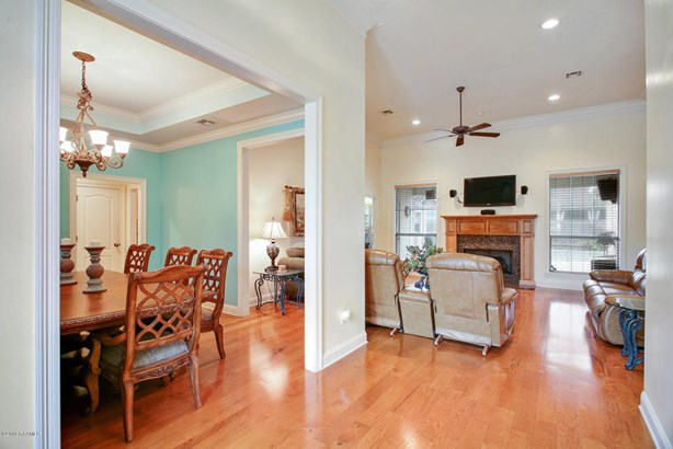 Detached Single Family, French,Traditional - Youngsville, LA (photo 5)