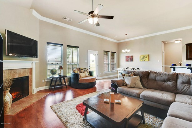 Detached Single Family, Contemporary - Youngsville, LA (photo 4)