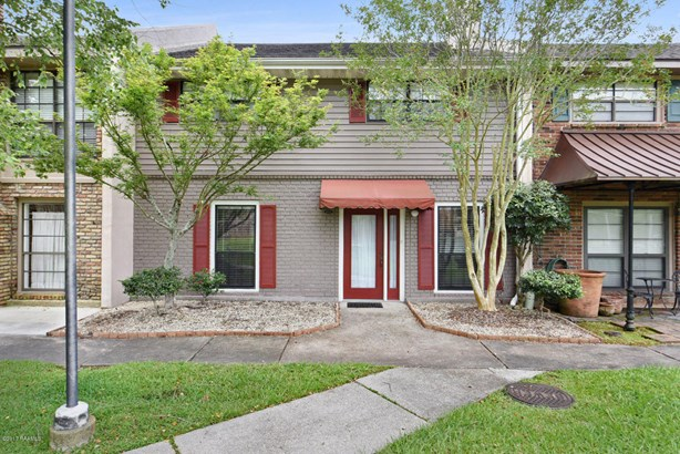 Townhouse, Townhouse,Attached Single Family - Lafayette, LA (photo 1)