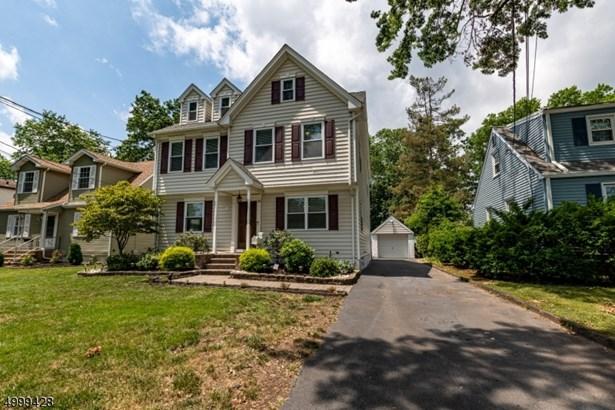 Colonial, Custom Home, Single Family - Clark Twp., NJ