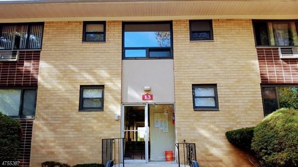 One Floor Unit, Single Family - North Plainfield Boro, NJ (photo 2)