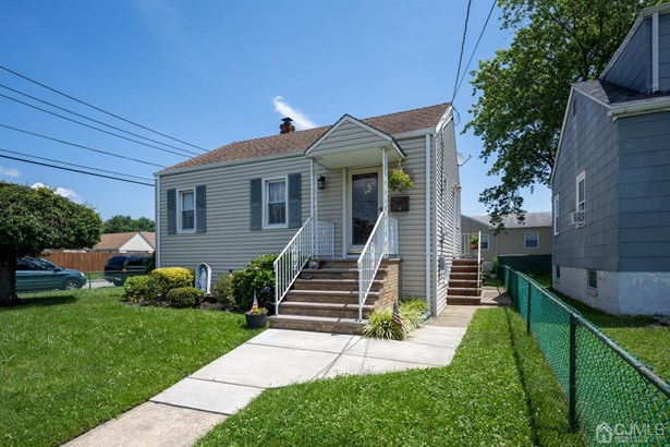 Single Family Residence, Ranch - Port Reading, NJ