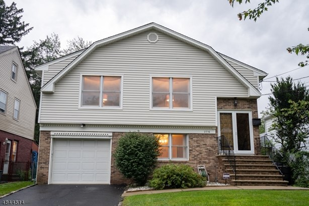 Bi-Level, Single Family - Union Twp., NJ