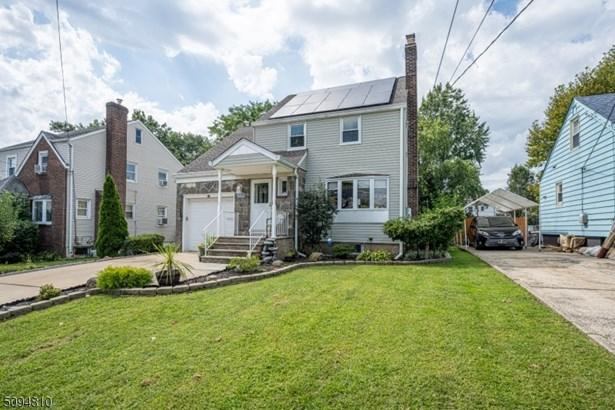 Colonial, Single Family - Elizabeth City, NJ