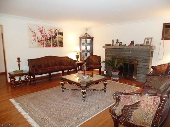 Custom Home, Single Family - Linden City, NJ (photo 5)