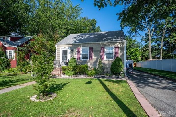 Single Family Residence, Ranch - Avenel, NJ