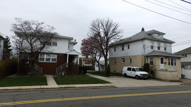 Multi-Family, 2-Two Story - South Hackensack Twp., NJ