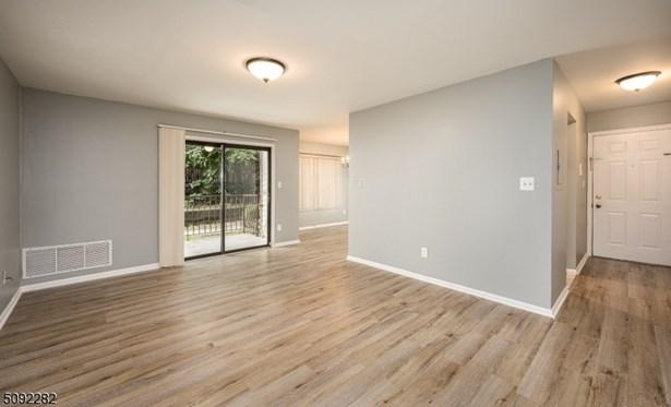 One Floor Unit, First Floor Unit, Single Family - Elizabeth City, NJ