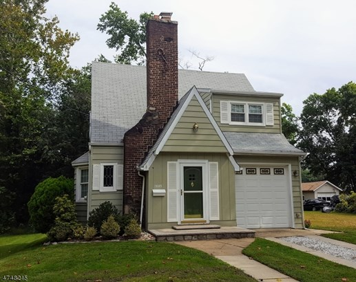 Colonial, Single Family - Rahway City, NJ (photo 1)