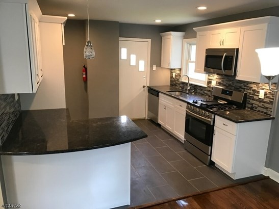 Colonial, Detached, Multi Floor Unit, Single Family - Roselle Boro, NJ (photo 2)