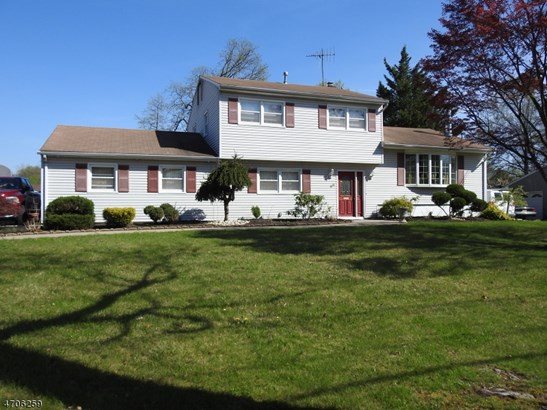 Split Level, Single Family - Clark Twp., NJ (photo 2)