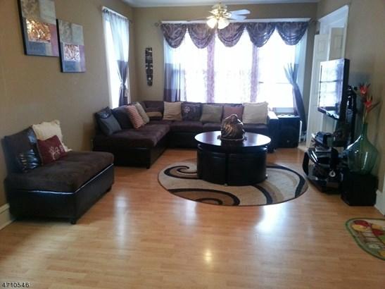 Apartment, One Floor Unit, Owner Occupied - Linden City, NJ (photo 2)