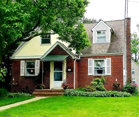 Cape Cod, Single Family - Roselle Park Boro, NJ (photo 1)