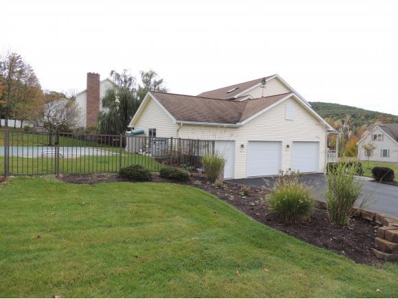 101 Emily Ct, Vestal, NY - USA (photo 2)