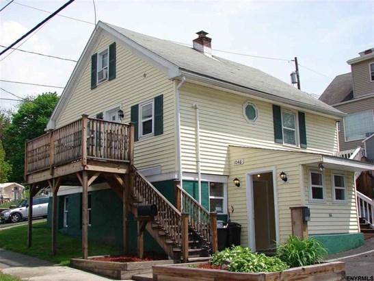 1046 1st St, Rensselaer, NY - USA (photo 1)