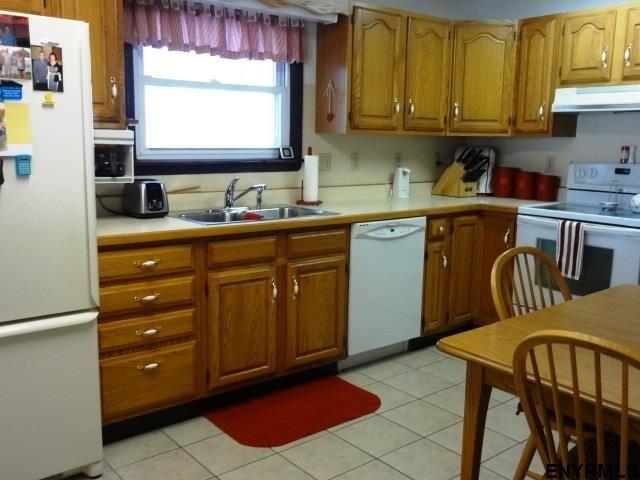263 South St, Glens Falls, NY - USA (photo 5)