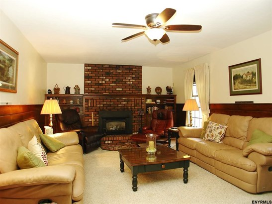 8 Birch Hill Ct, Clifton Park, NY - USA (photo 4)