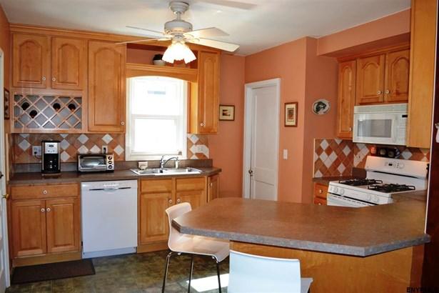 422 Engleman Av, Glenville, NY - USA (photo 5)
