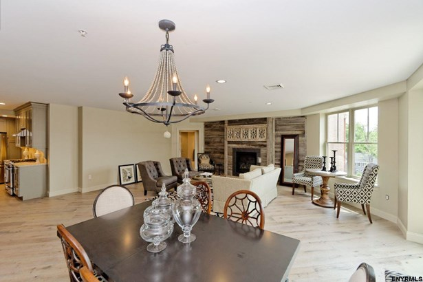 38 High Rock Av, Saratoga Springs, NY - USA (photo 4)