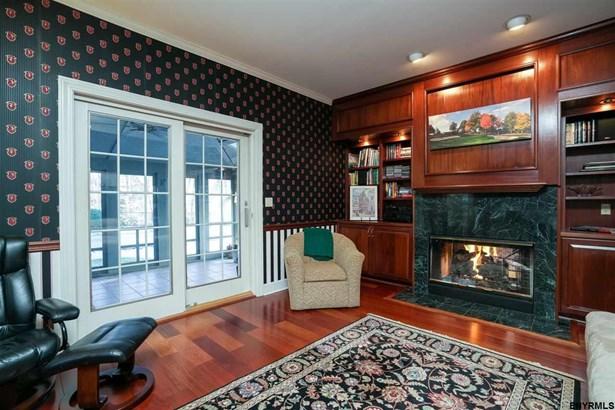 604 Bedford Sq, Guilderland, NY - USA (photo 4)