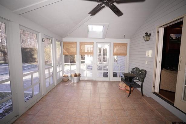 604 Bedford Sq, Guilderland, NY - USA (photo 5)