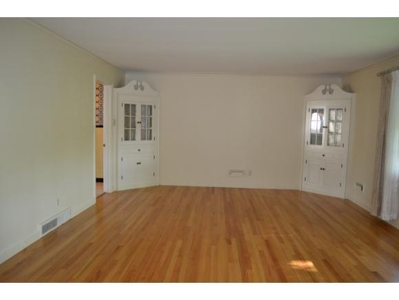 1265 Cornell Ave, Hillcrest, NY - USA (photo 3)