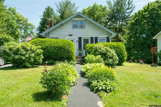 14 Middlesex Rd, East Greenbush, NY - USA (photo 1)