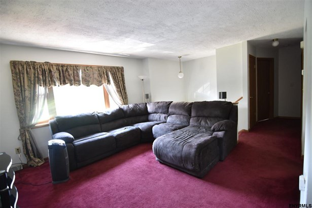 6 Magnolia Cir, Ravena, NY - USA (photo 4)