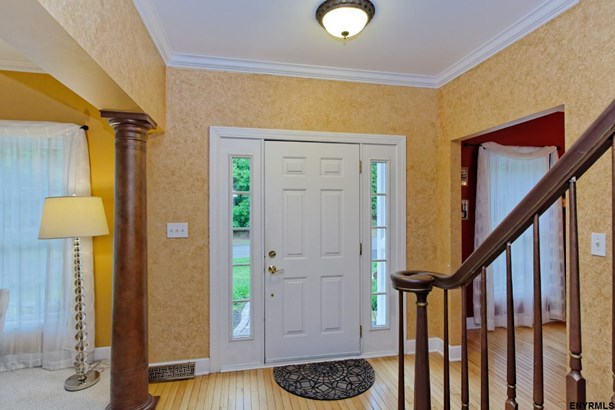 9 Jamison Dr, Clifton Park, NY - USA (photo 2)