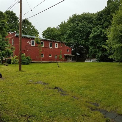 1 Railroad Avenue, Bainbridge, NY - USA (photo 3)