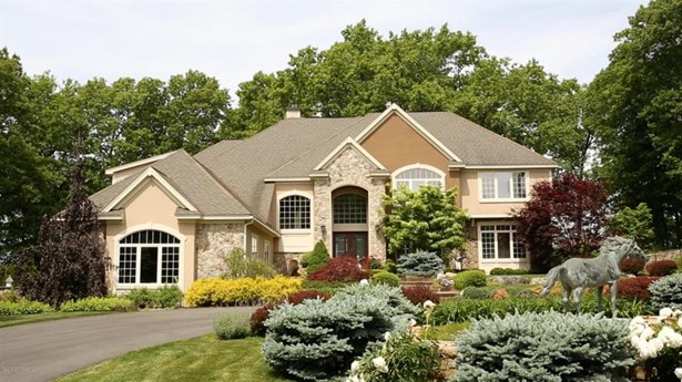 9 Winding Brook Drive, Saratoga Springs, NY - USA (photo 1)