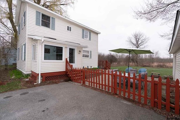 596 Meadowdale Rd, Guilderland, NY - USA (photo 1)
