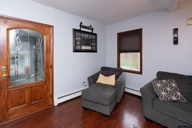 596 Meadowdale Rd, Guilderland, NY - USA (photo 4)