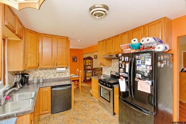 154 Simmons Av, Cohoes, NY - USA (photo 1)