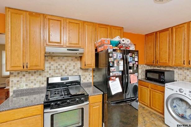 154 Simmons Av, Cohoes, NY - USA (photo 2)