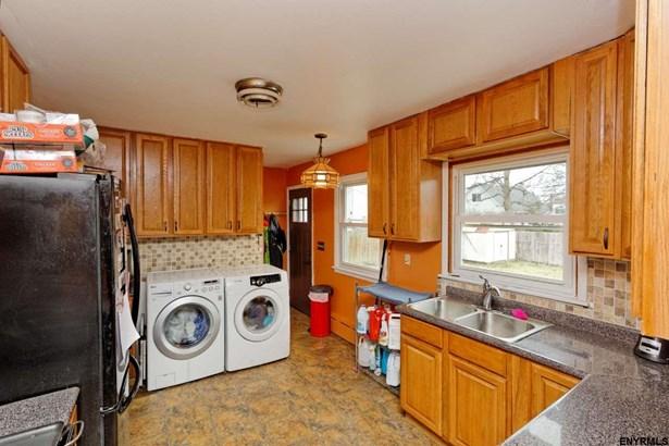154 Simmons Av, Cohoes, NY - USA (photo 4)