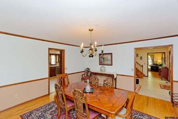 1071 Valerie Dr, Niskayuna, NY - USA (photo 3)