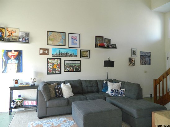 995 Sterling Ridge Dr, Rensselaer, NY - USA (photo 4)
