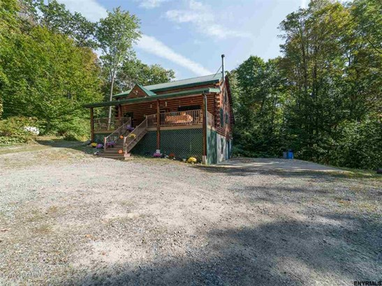 48 Hoffman Road, Middle Grove, NY - USA (photo 2)