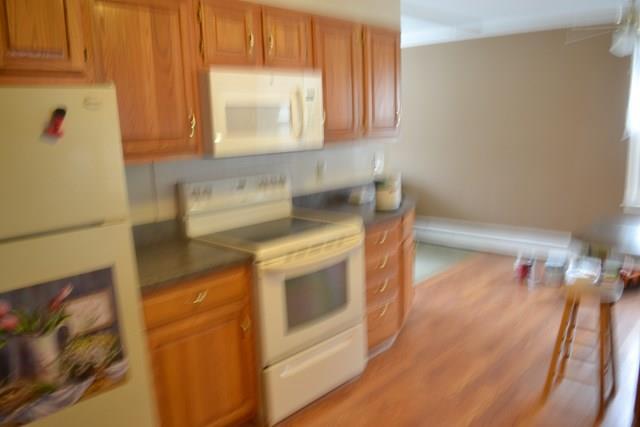 216 Oneida Place, Corning, NY - USA (photo 4)