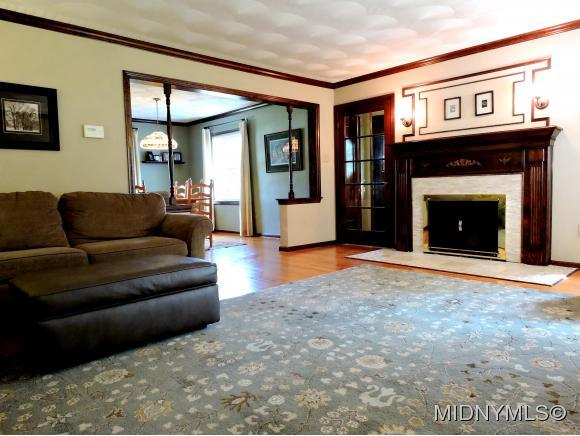 122 Clinton Street, Whitesboro, NY - USA (photo 2)