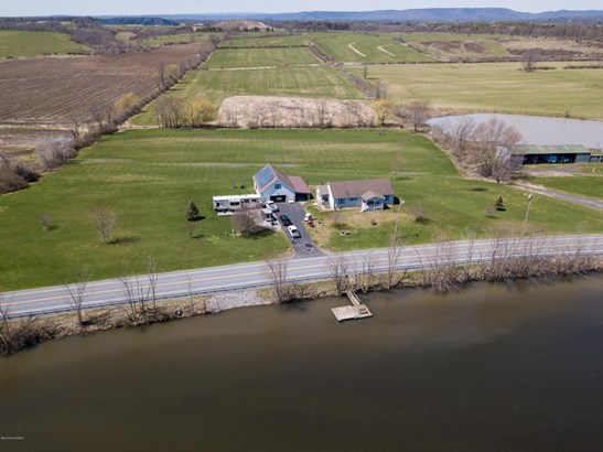 1301 W West River Road, Fortsville, NY - USA (photo 2)