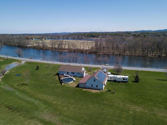 1301 W West River Road, Fortsville, NY - USA (photo 4)