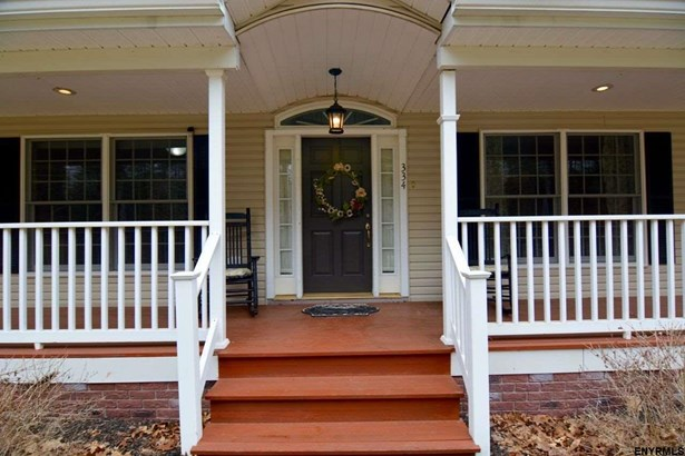 334 Colebrook Rd, Fortsville, NY - USA (photo 1)