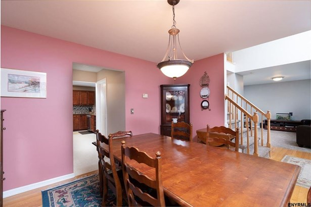 38 Rose La, East Greenbush, NY - USA (photo 3)