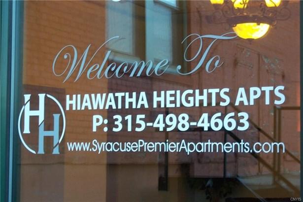 617 East Hiawatha Boulevard, Syracuse, NY - USA (photo 1)