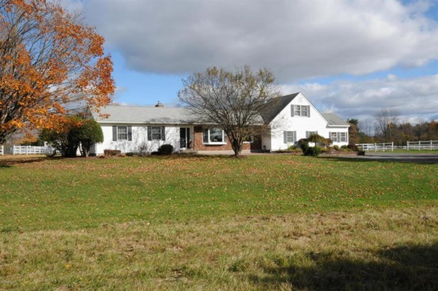 32 Bayberry, Queensbury, NY - USA (photo 2)