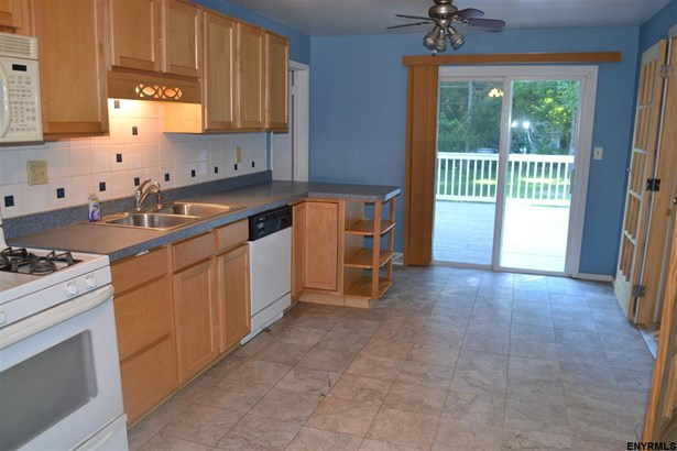 3045 East Lydius St, Guilderland, NY - USA (photo 4)