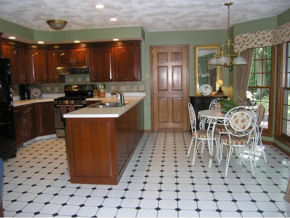 929 Park Manor Blvd, Endwell, NY - USA (photo 1)