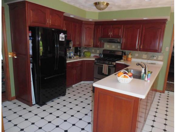 929 Park Manor Blvd, Endwell, NY - USA (photo 2)
